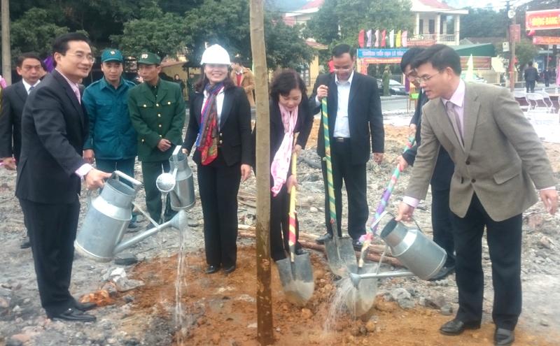 TP Uông Bí phát động Tết trồng cây Xuân Bính Thân 2016