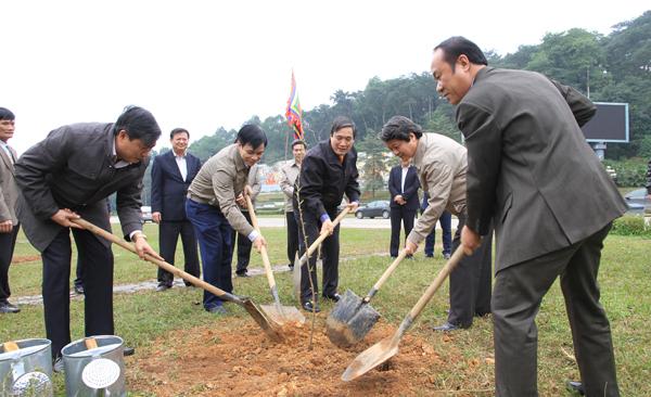 Phú thọ hưởng ứng tết trồng cây xanh Bính Thân 2016